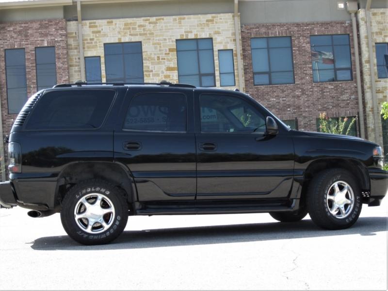 GMC Yukon 2004 price $9,999