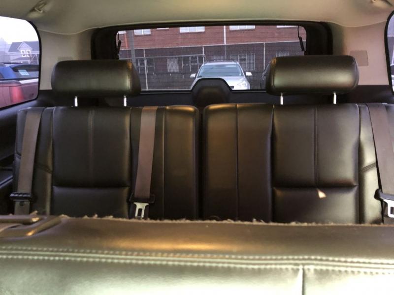 CHEVROLET SUBURBAN 2011 price $16,495