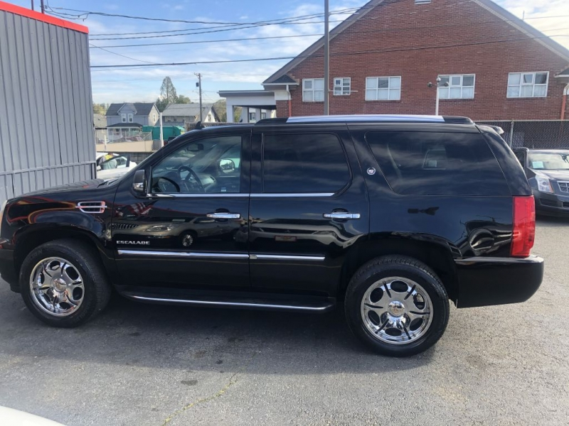 CADILLAC ESCALADE 2010 price $24,995