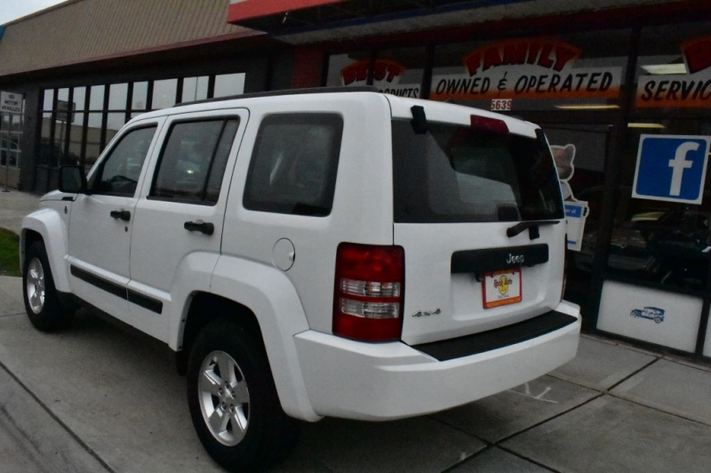 JEEP LIBERTY 2012 price $12,999