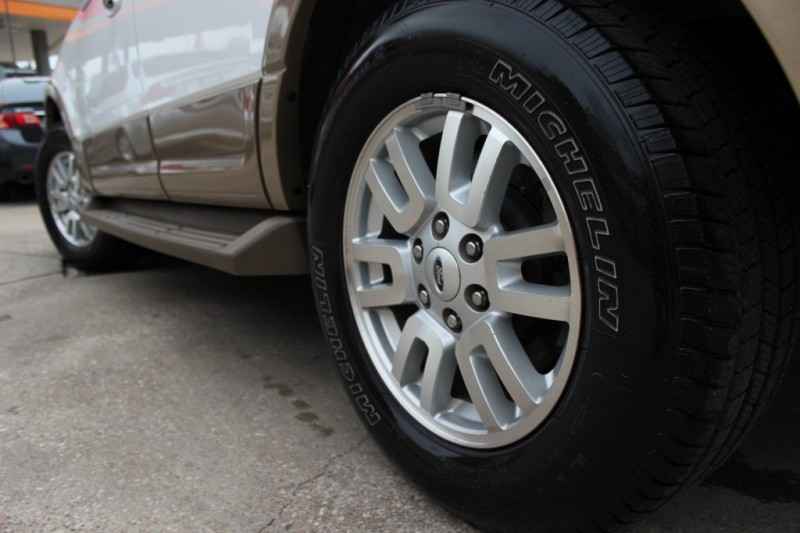 Ford Expedition 2011 price Call