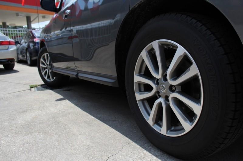 Nissan Pathfinder 2015 price Call