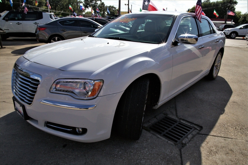 Chrysler 300 2013 price Call