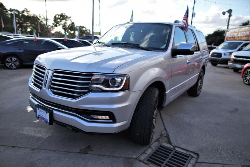 Lincoln Navigator 2015 price Call