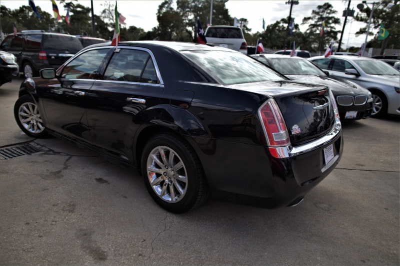 Chrysler 300 2012 price Call