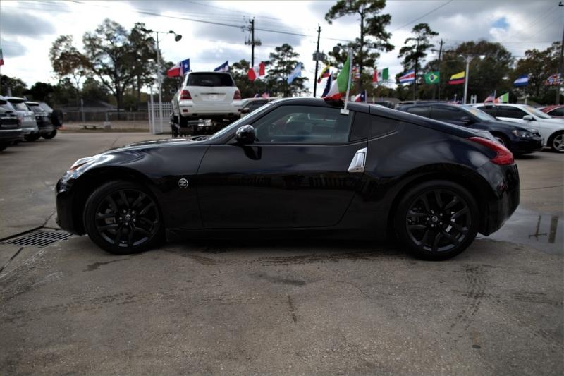 Nissan 370Z 2016 price Call