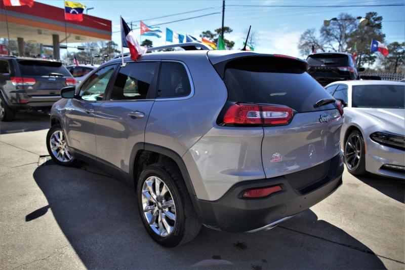 Jeep Cherokee 2017 price Call