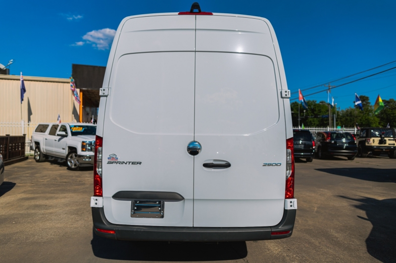 Freightliner Sprinter Van 2019 price Call