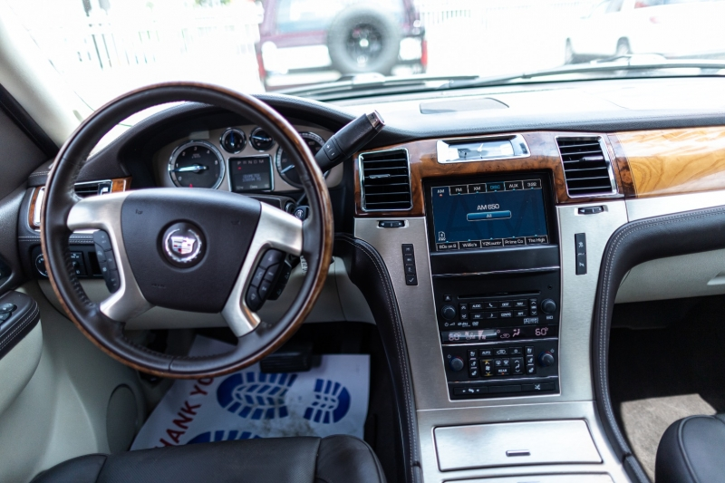 Cadillac Escalade ESV 2011 price Call