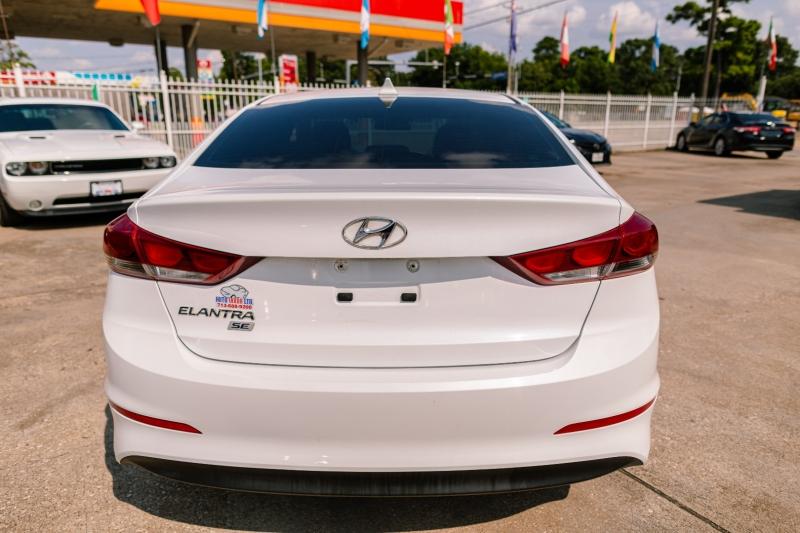 Hyundai Elantra 2017 price Call