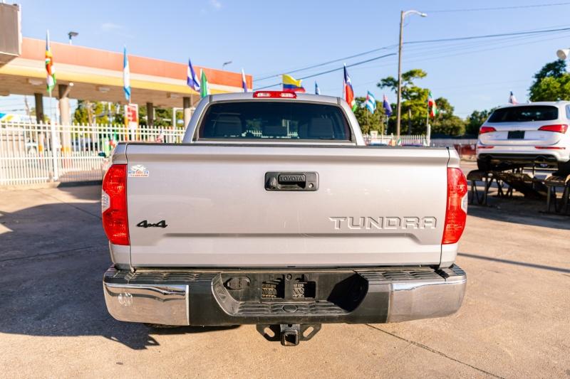 Toyota Tundra 4WD 2018 price Call