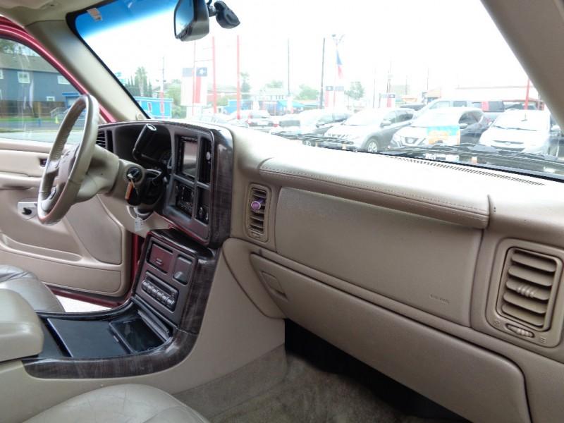 GMC Yukon Denali 2006 price $9,995