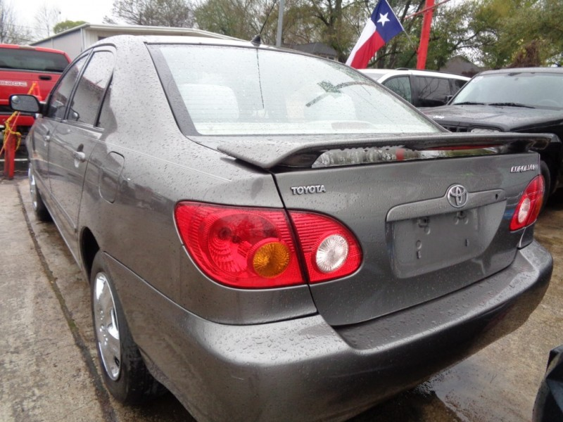 Toyota Corolla 2004 price $3,695