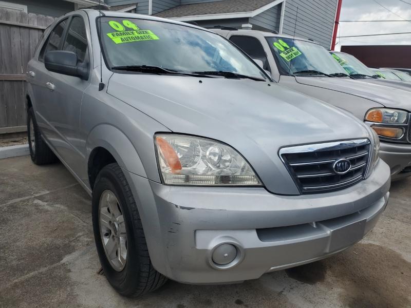 Kia Sorento 2004 price $2,995