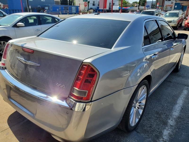 Chrysler 300 2011 price $8,995