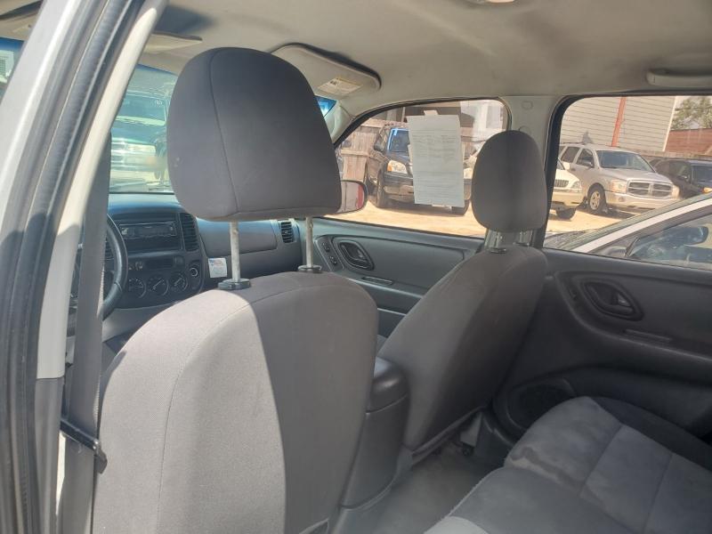 Ford Escape 2005 price $1,995