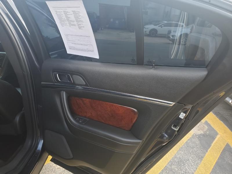 Lincoln MKS 2014 price $13,995