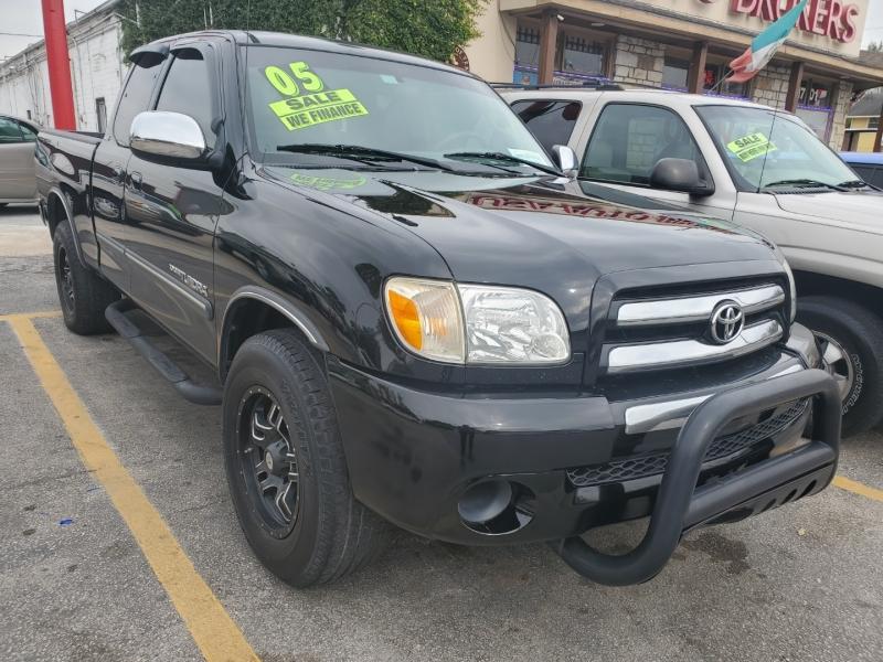 Toyota Tundra 2005 price $6,995