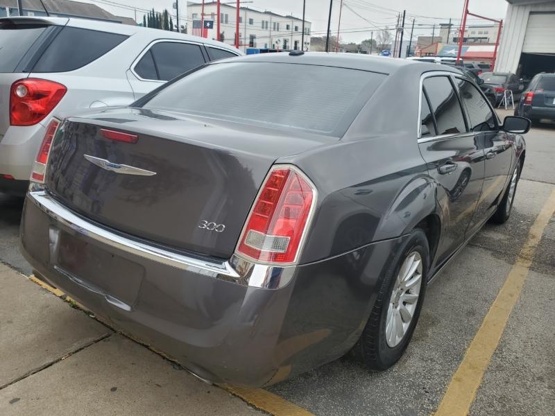 Chrysler 300 2013 price $8,995