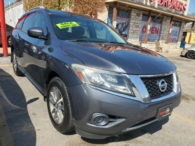 Nissan Pathfinder 2013 price $8,995