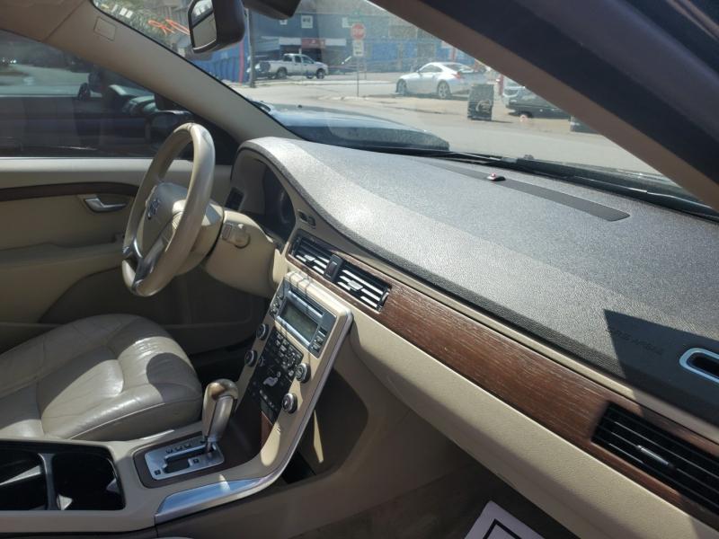 Volvo S80 2011 price $4,495