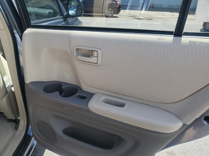 Toyota Highlander 2006 price $9,495