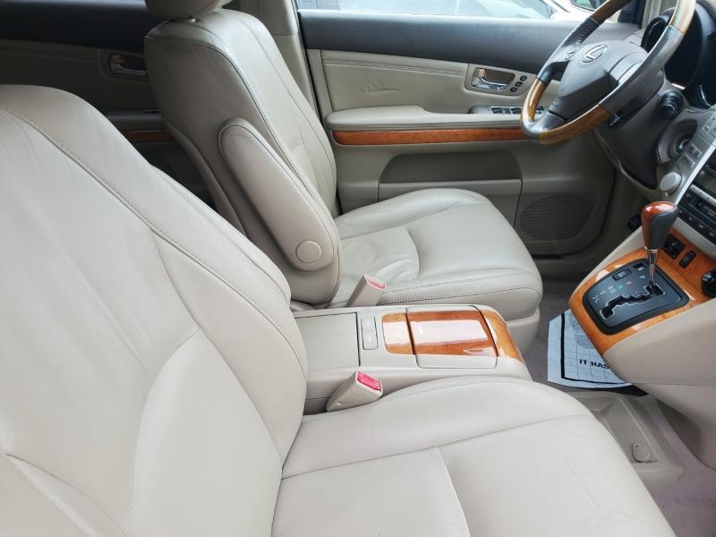 Lexus RX 330 2005 price $7,495