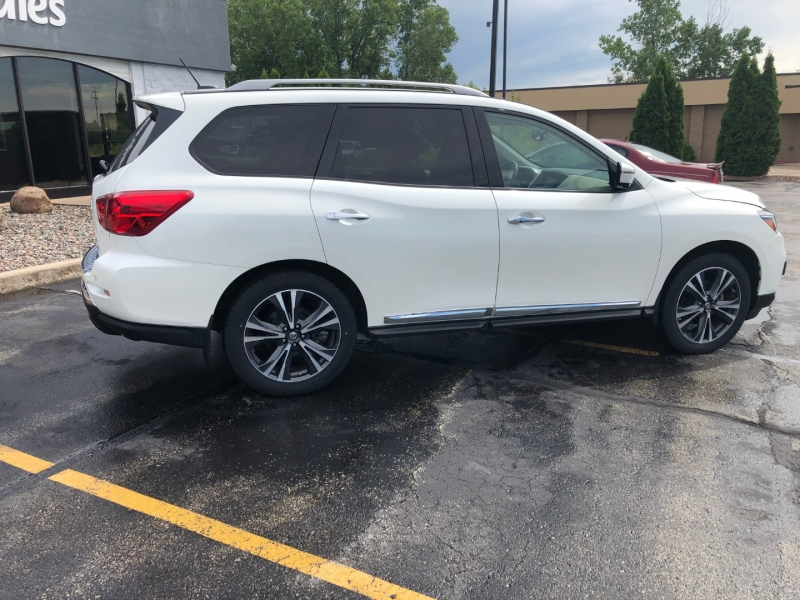 Nissan Pathfinder 2017 price $30,990