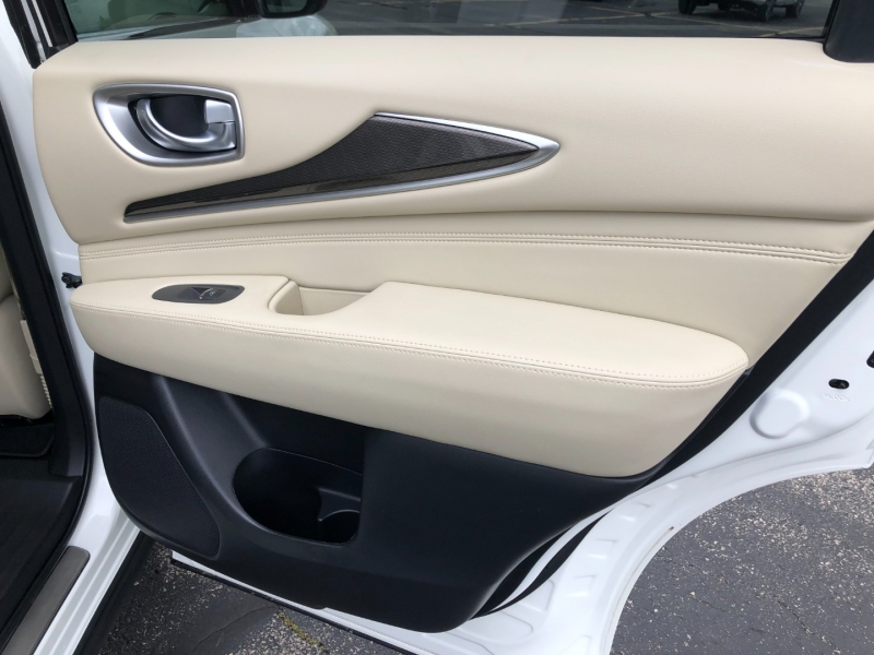 Infiniti QX60 2019 price $40,990