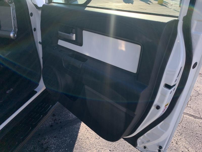 Toyota FJ Cruiser 2012 price $33,361
