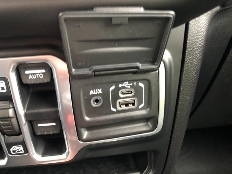 Jeep Wrangler 2018 price $36,990