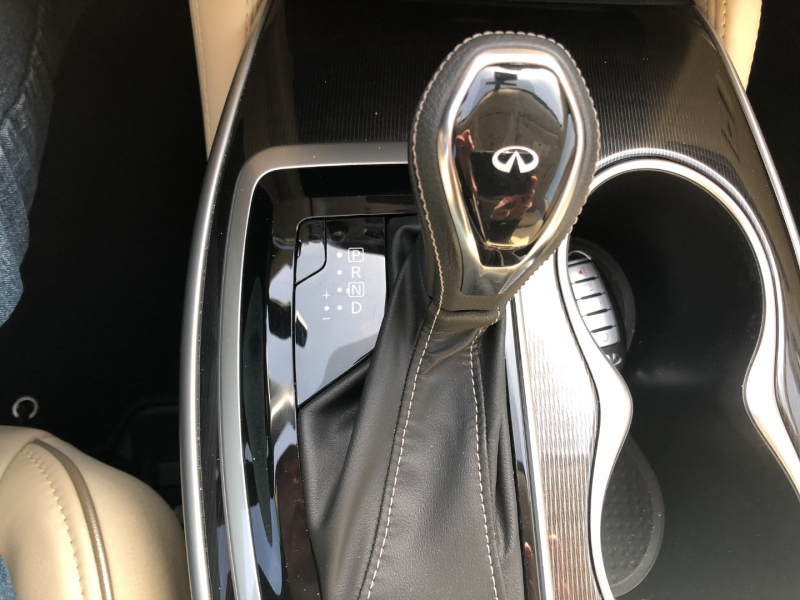 Infiniti QX60 2019 price $35,990