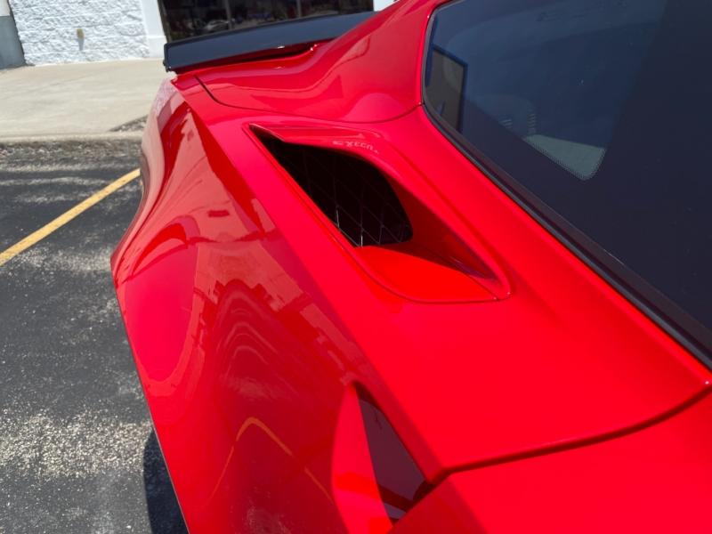 Chevrolet Corvette 2019 price $65,990