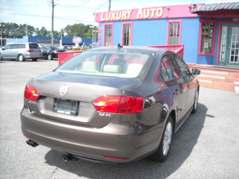Volkswagen Jetta Sedan 2011 price $5,900