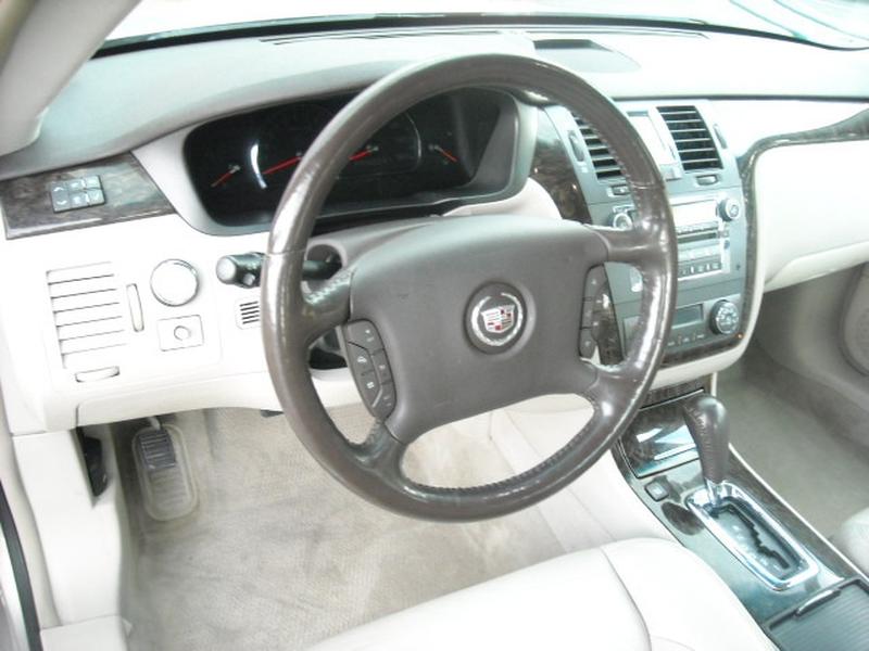 Cadillac DTS 2008 price $6,900
