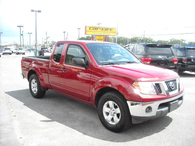Nissan Frontier 2011 price $9,900