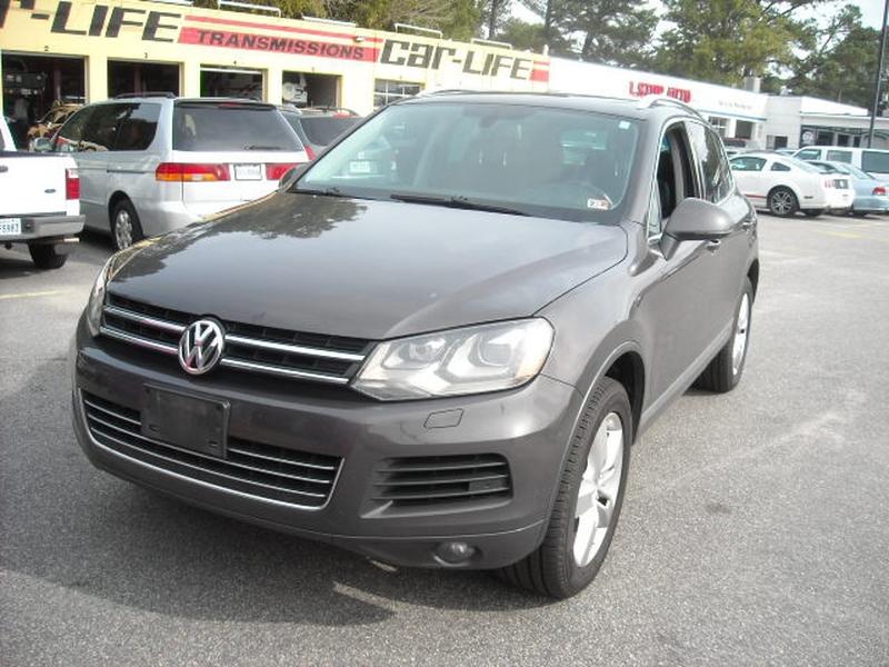 Volkswagen Touareg 2012 price $8,900