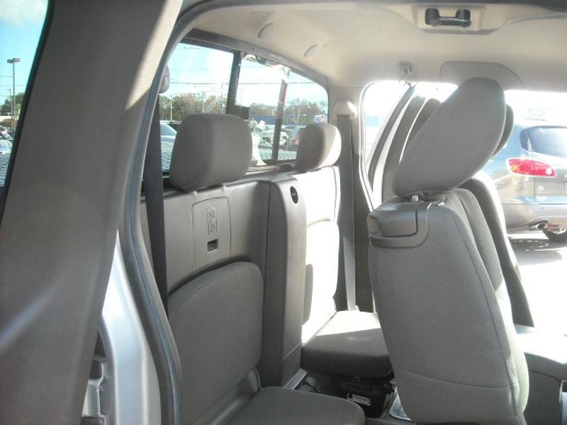 Nissan Frontier 2010 price $9,500