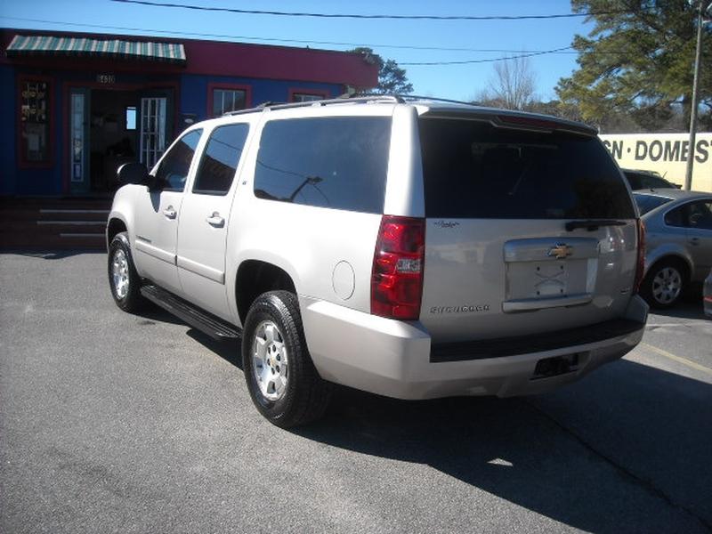 Chevrolet Suburban 2009 price $5,900
