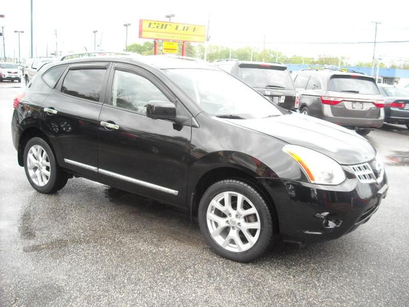 Nissan Rogue 2012 price $8,900