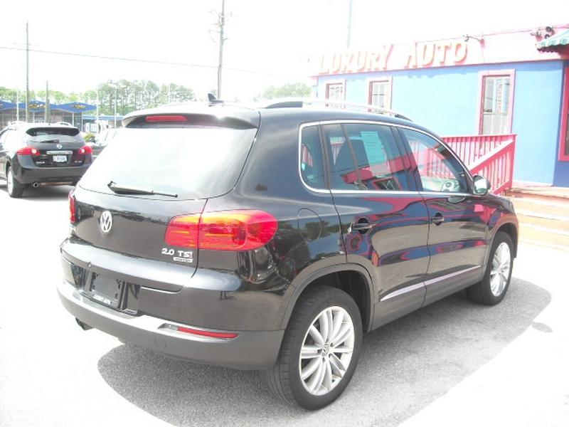 Volkswagen Tiguan 2013 price $9,700