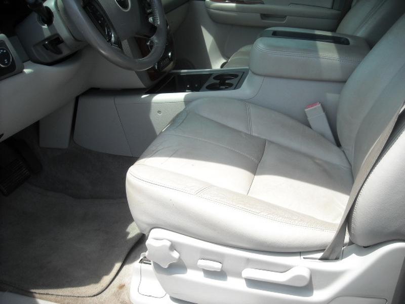 Chevrolet Suburban 2008 price $7,400