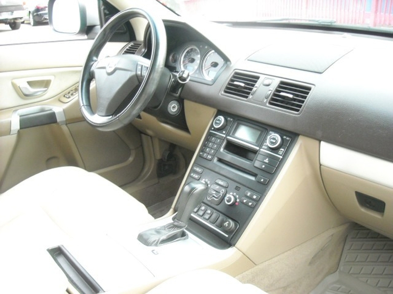 Volvo XC 90 2013 price $9,500