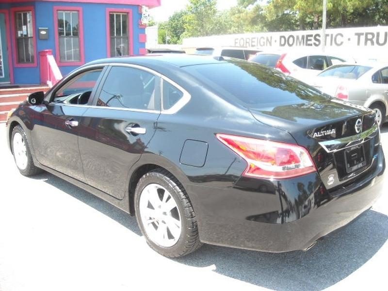 Nissan Altima 2013 price $9,500