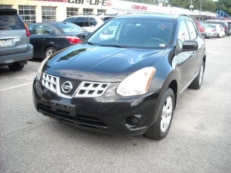 Nissan Rogue 2011 price $8,900