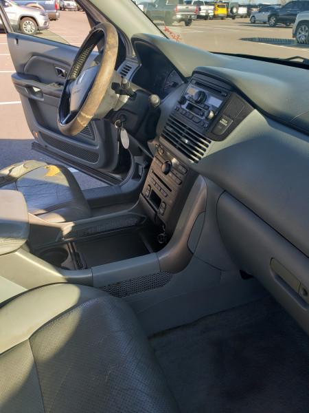 Honda Pilot 2005 price $4,399