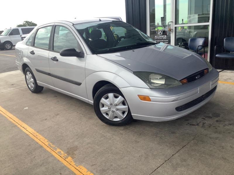 Ford Focus 2003 price $3,399