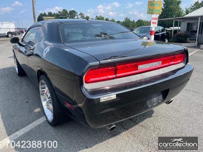 Dodge Challenger 2010 price $10,999
