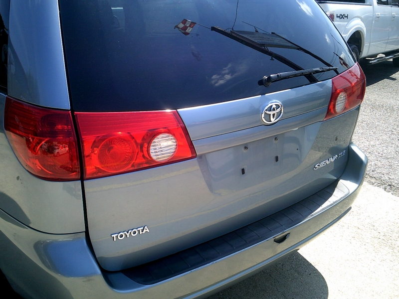 Toyota Sienna 2006 price $1,250 Down