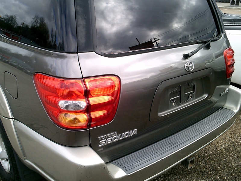 Toyota Sequoia 2003 price $1,450 Down